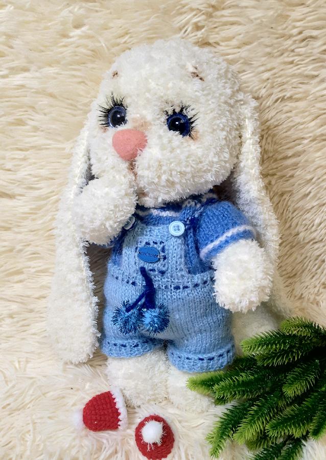 Мягкая игрушка ручной работы вязаный зайчик зайка