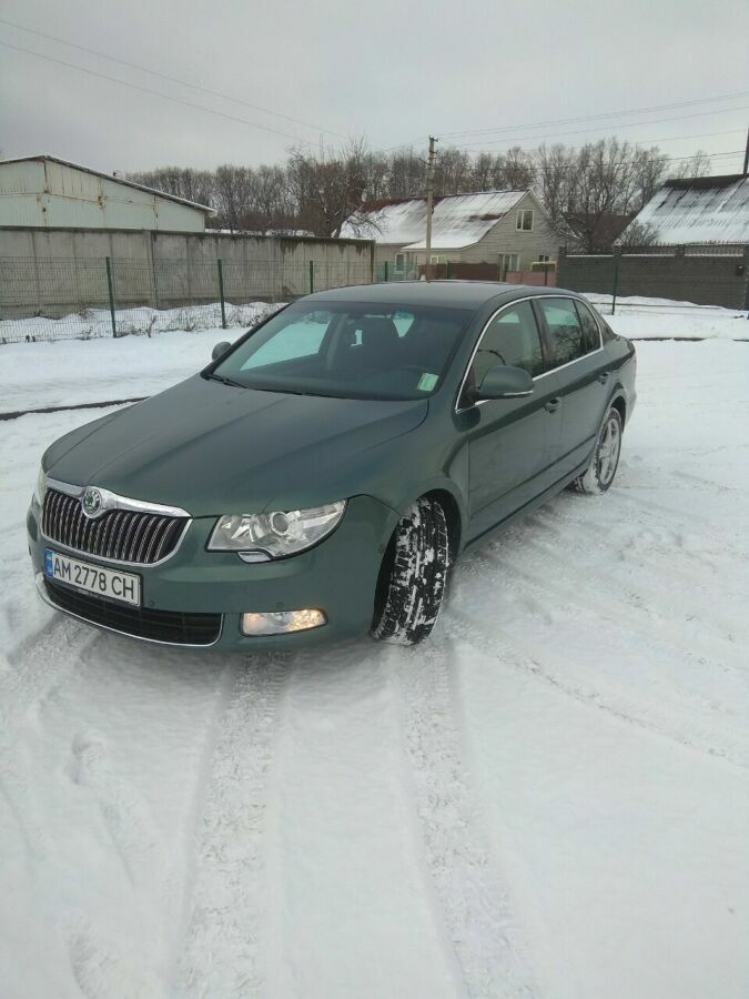 Skoda Superb 1.6 TDI MT (105 л.с.) 2013 Купити Skoda Superb 1.6 TDI MT