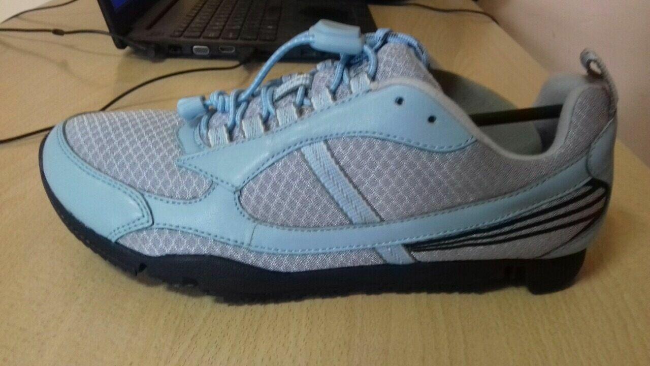 dafe95fff1706e Женские кроссовки 38 и 39 размер голубые Dr. Comfort: 370 грн ...