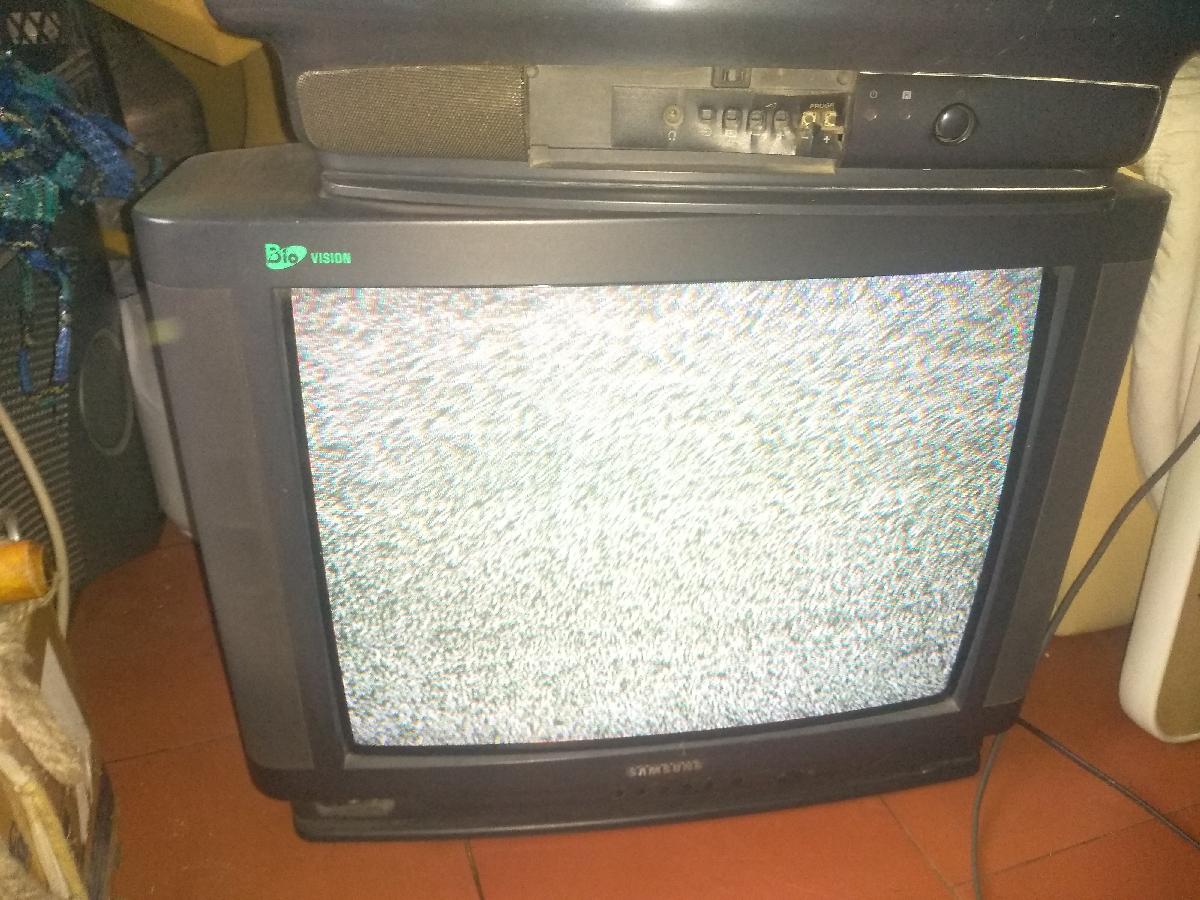 Деревянные тумбы под телевизор фото стал