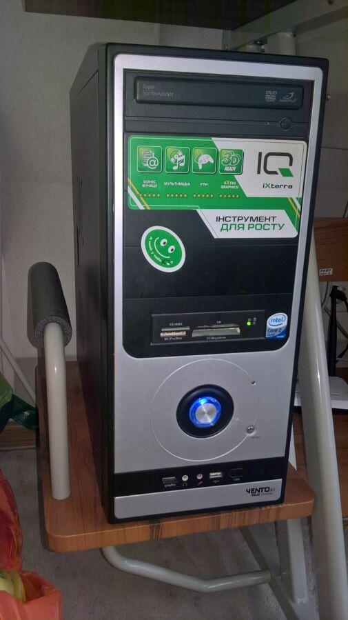 Настольный компьютер (системный блок+монитор)