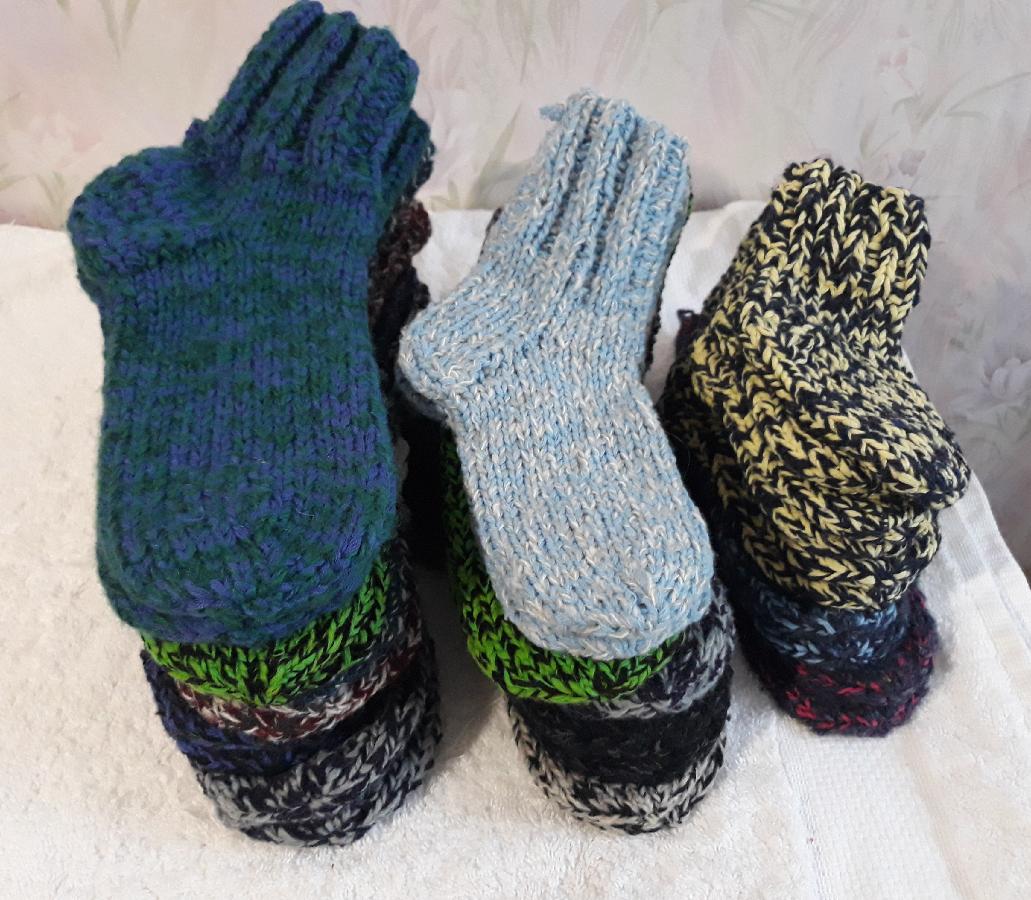 носки вязаные на спицах теплые и удобные 50 грн носочные