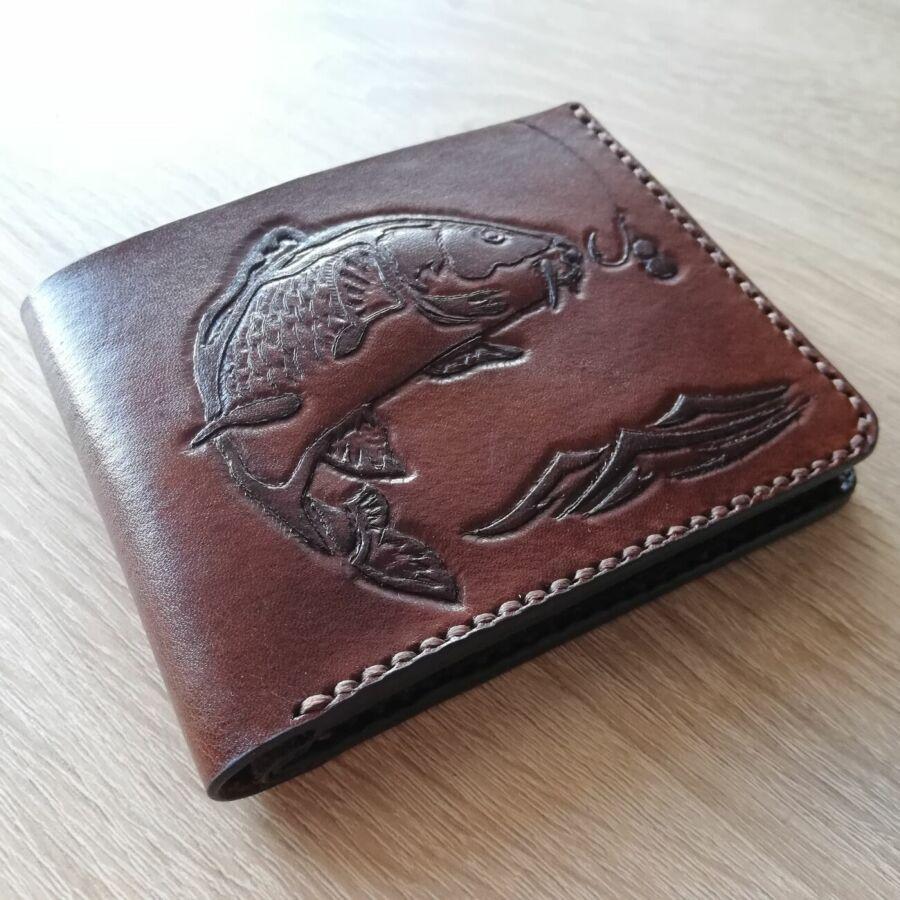 563960139c75 Купить сейчас - Кошелек кожаный,тиснение карп.Ручная работа, рисунок ...