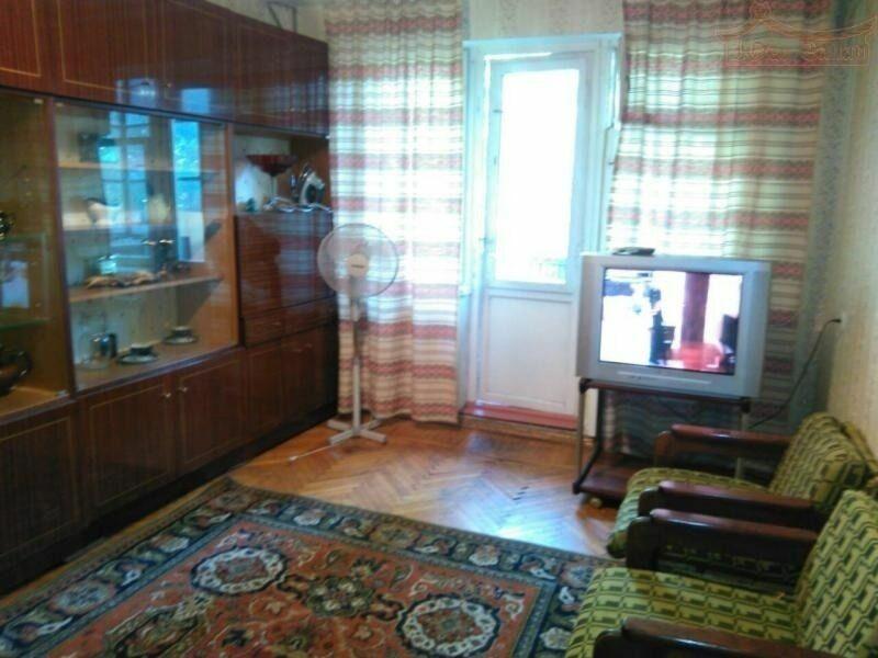 Продается трёхкомнатная квартира на Терешковой.