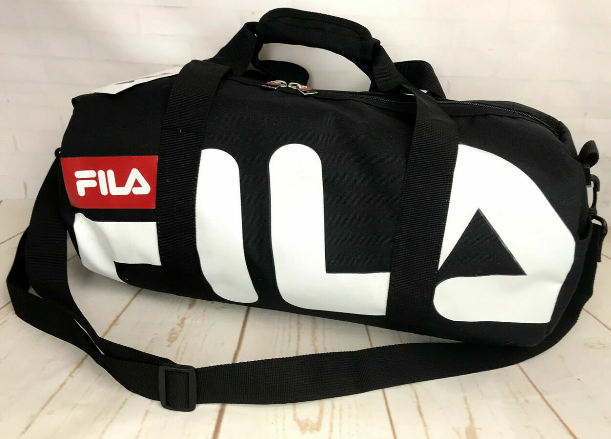 7f7ede51878f Небольшая красивая спортивная сумка бочонок Fila. Раз.44см на 23 КСС12