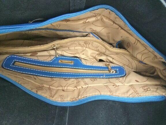 672c99ab73db Кожаная женская сумка голубая с черным лаком. Новая. Натуральная ...
