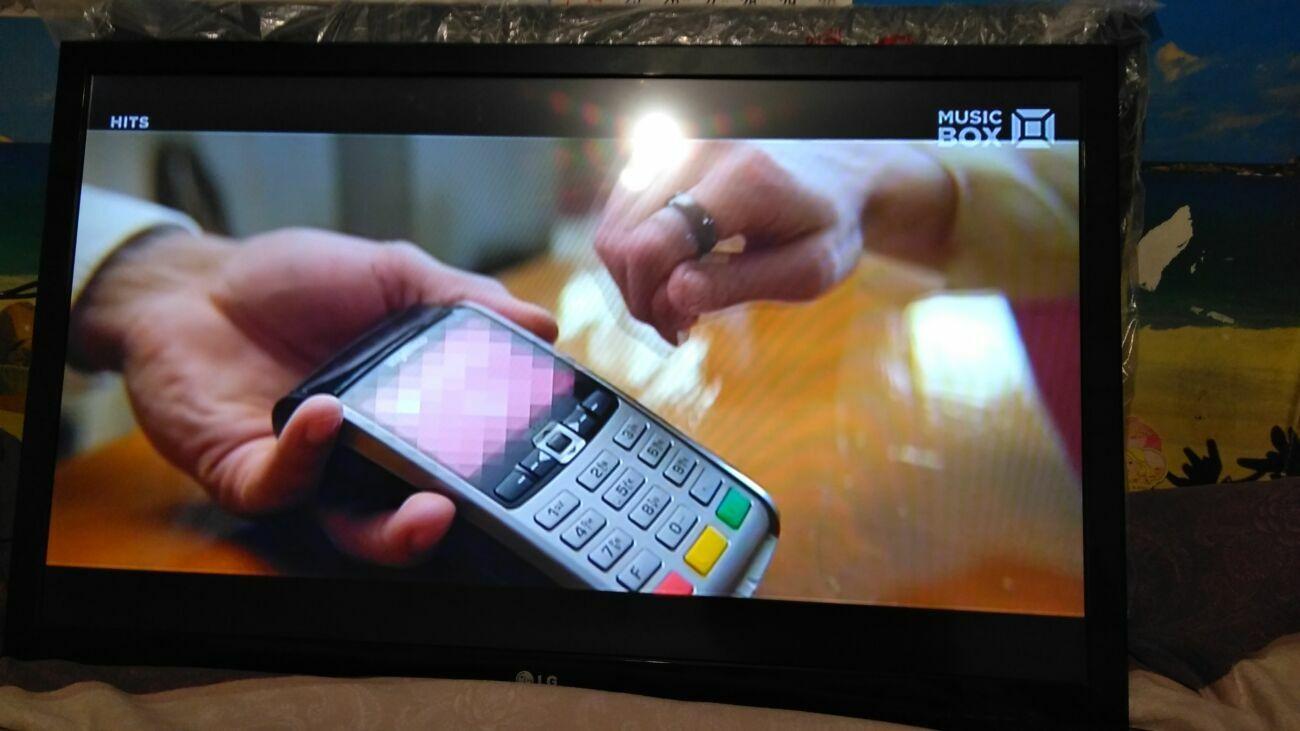 Продам с гарантией Smart Tv Led Lg 42lv370s