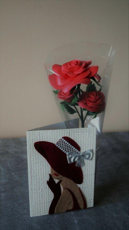 Роза с открыткой ручной работы к 8 марта