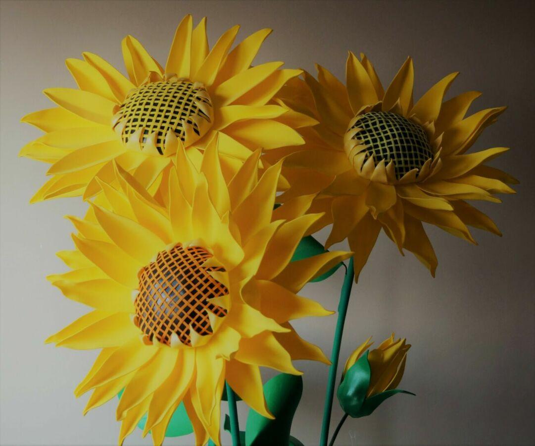 Подсолнухи интерьерные с фоамирана (ростовые цветы) продажа/аренда