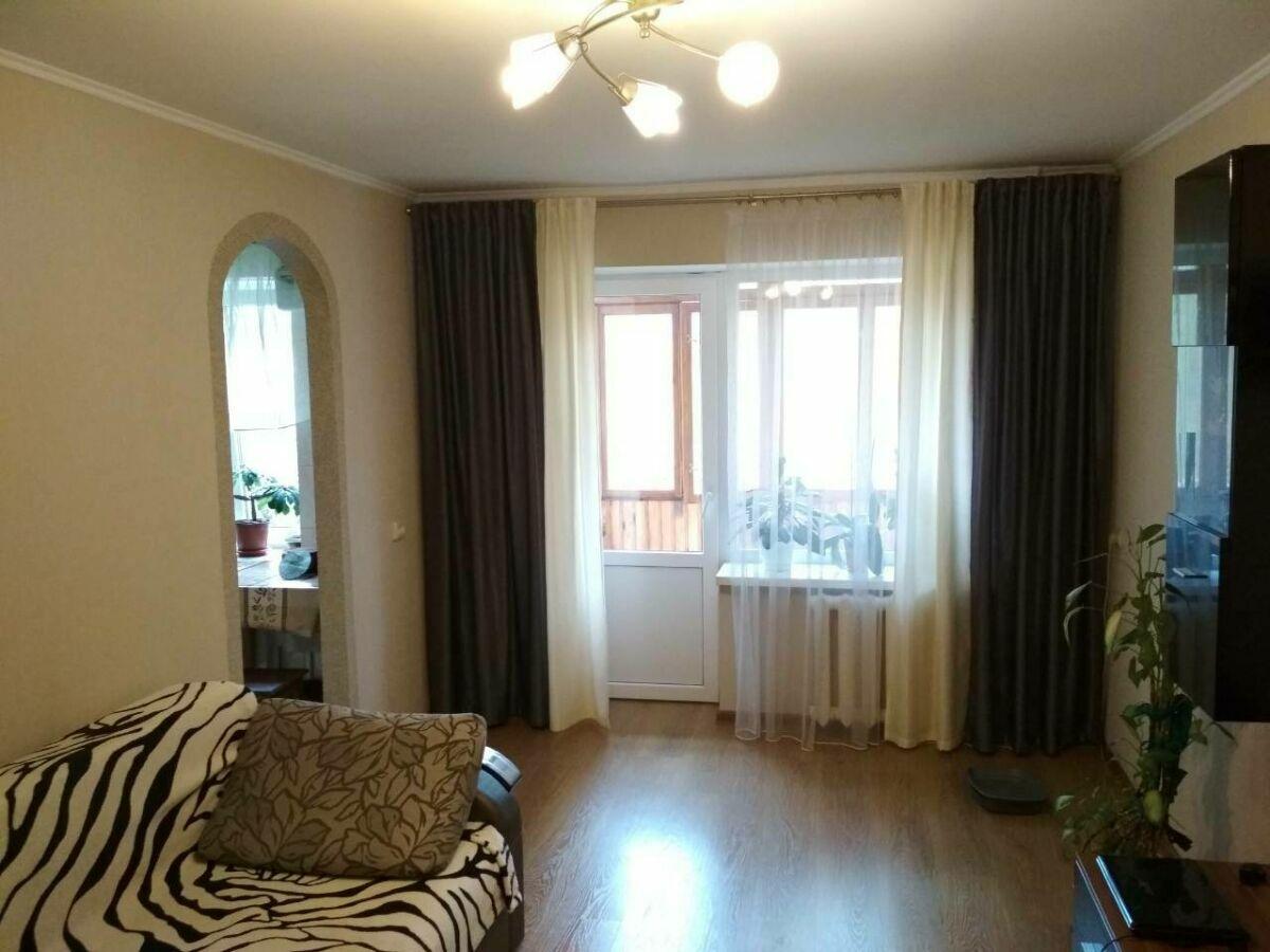 Продам 3-кімнатну квартиру в цегляному будинку