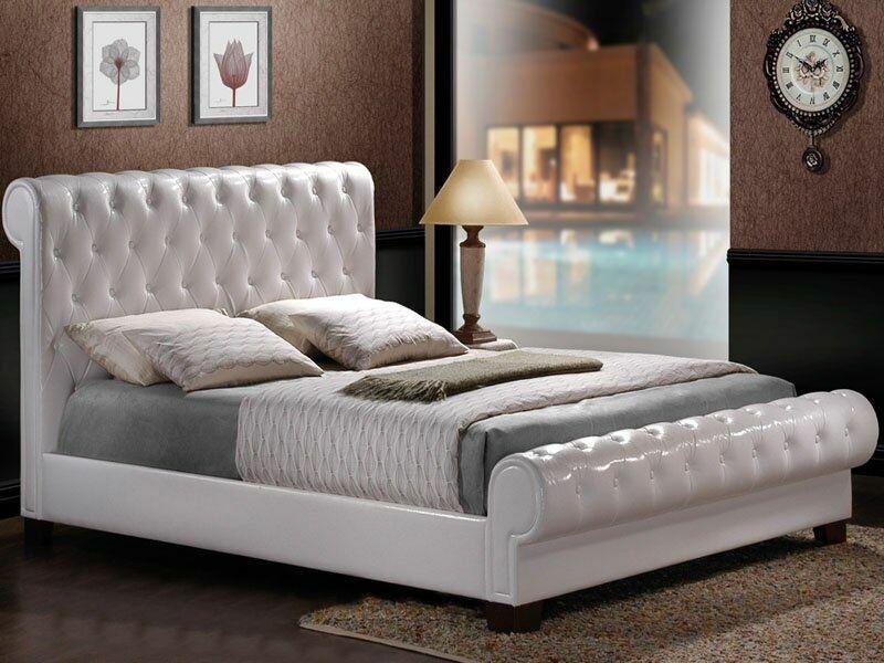 Кровать с мягким изголовьем и изножьем, каретная стяжка
