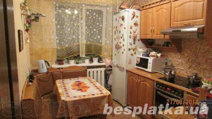 Продам 3-к квартиру Тополь-1, р-н магазина Тополек