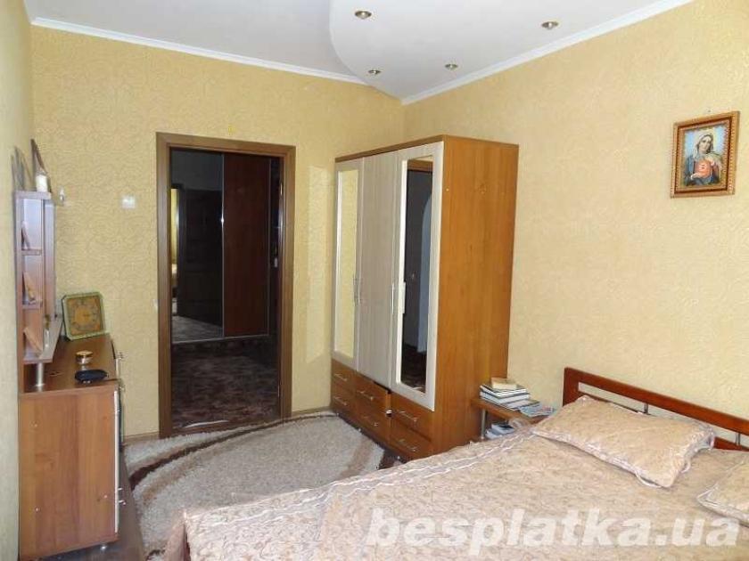 Тарасовка(Боярка) 3-комнатная квартира с мебелью и ремонтом