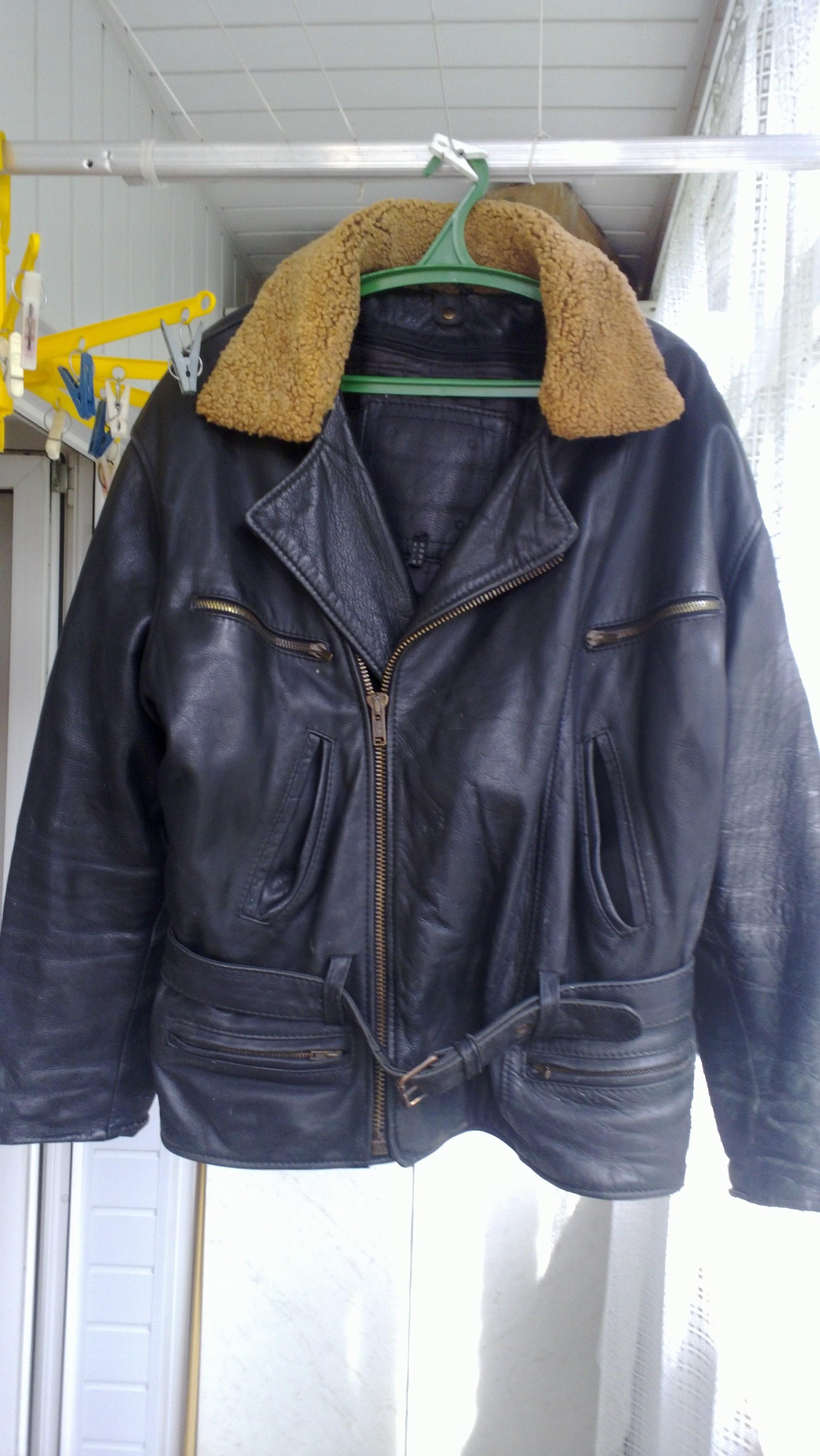 Фото 3 - Кожаная куртка