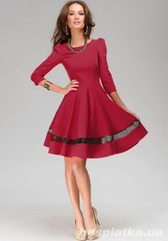 Плиссированное платье красное