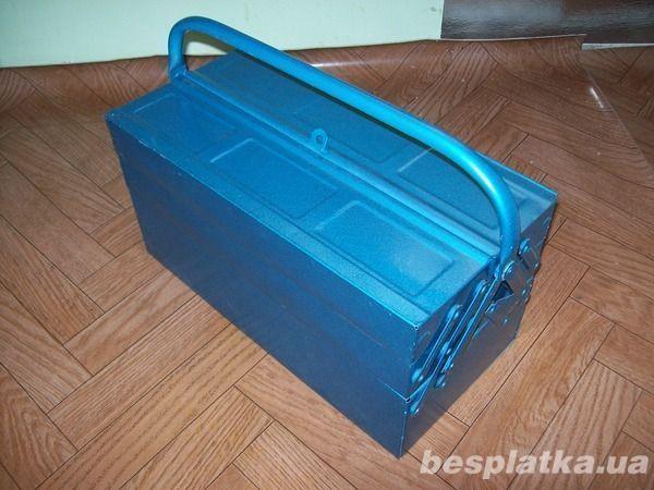Инструментальный переносной ящик