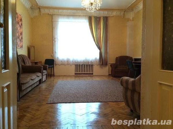 Продам 4 к.кв. сталинку в Центре м. Пушкинская