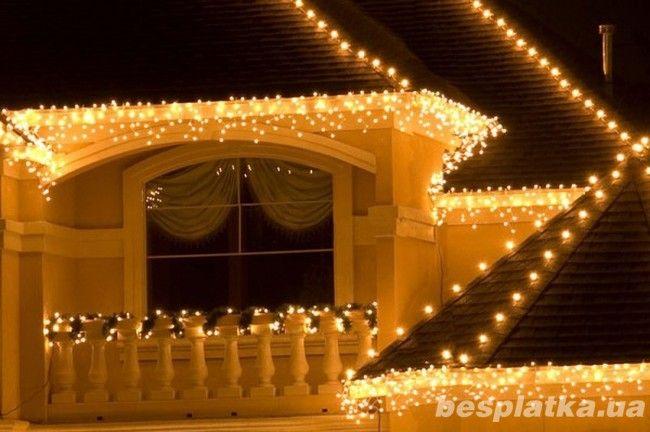 Светодиодные гирлянды на фасад частного дома
