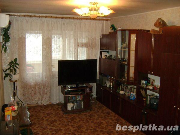 Продам 3-х комнатную квартиру на ж/м Коммунар, ул. Братьев Трофимовых
