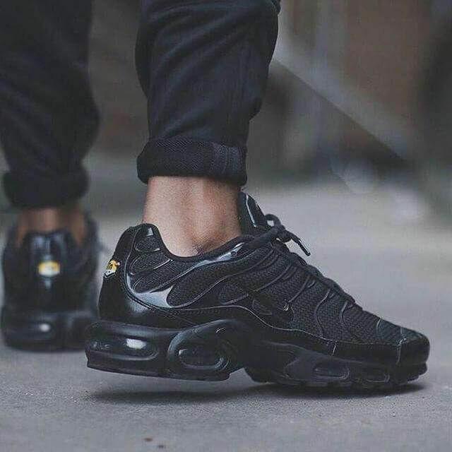 Кроссовки Nike Air Max Tn