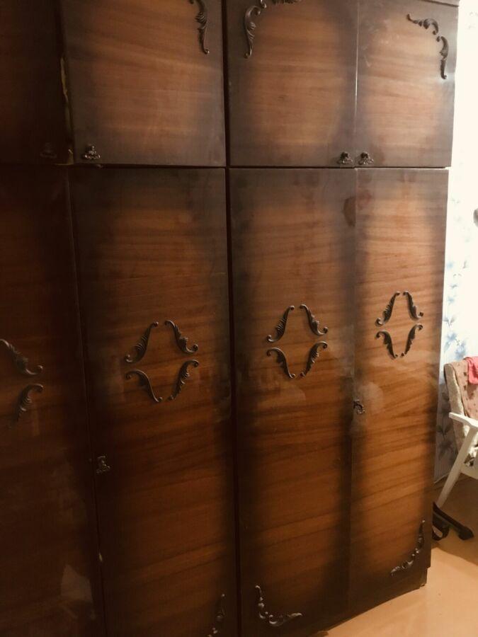 Продам шкафы с антресолями