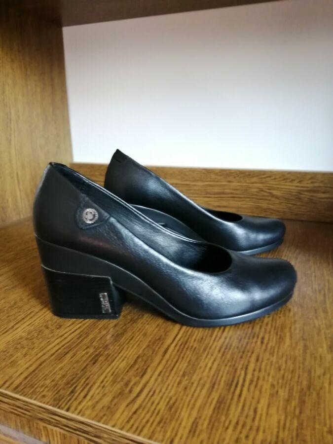 Продаю кожаные туфли
