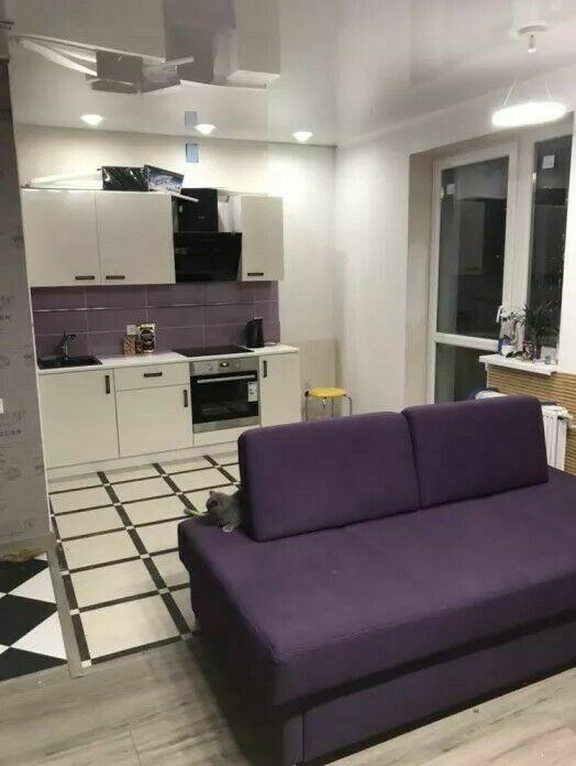 Продам от первого собственника однокомнатную квартиру-студию в новостр
