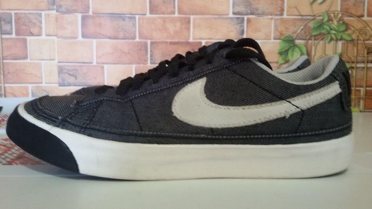 Кроссовки Nike (размер 36)