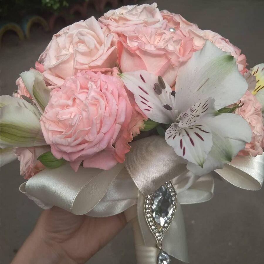 Гофрированной, букет невесты киев цветы