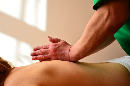 Професійний лікувальний масаж,массаж! мануальная терапия,костоправ!