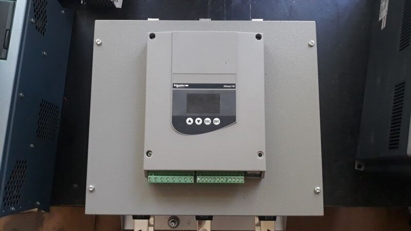 Устройство плавного пуска Altistart 48  110квт 210а