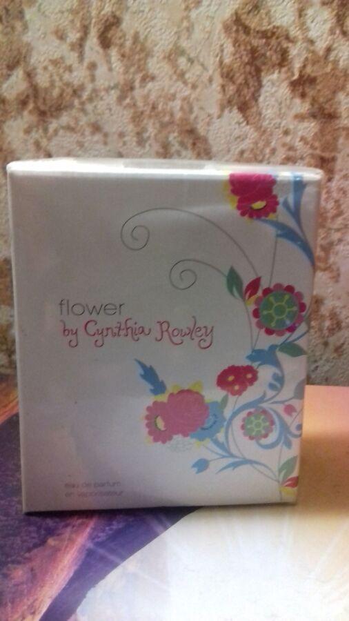 Женский .винтаж. раритет. синтия роули флауэр  Avon Flower By Cynthia