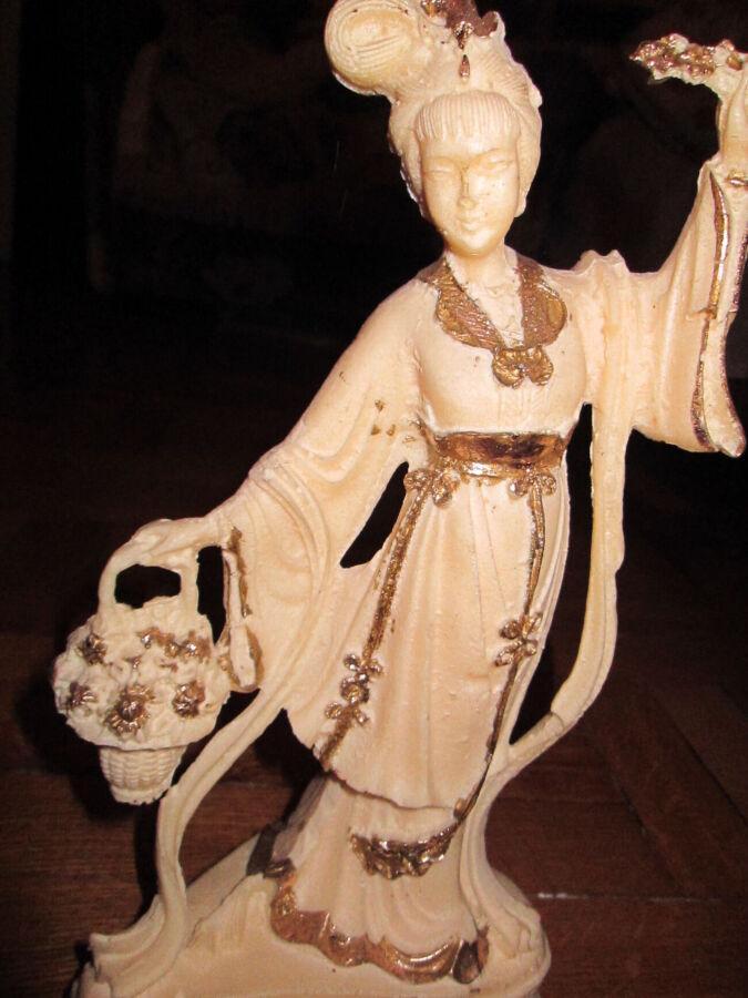 Статуэтка. керамика. японский традиционный костюм. 25 см.