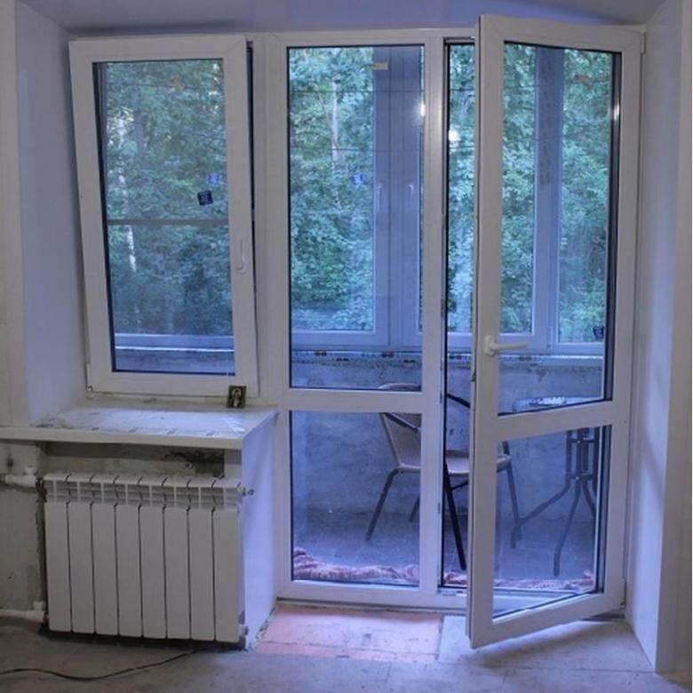 Балконное окно и две двери