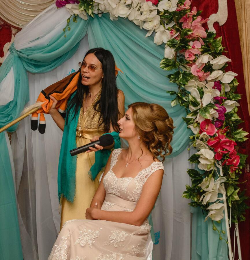 Ведущая тамада музыка  на свадьбу киев киевская область