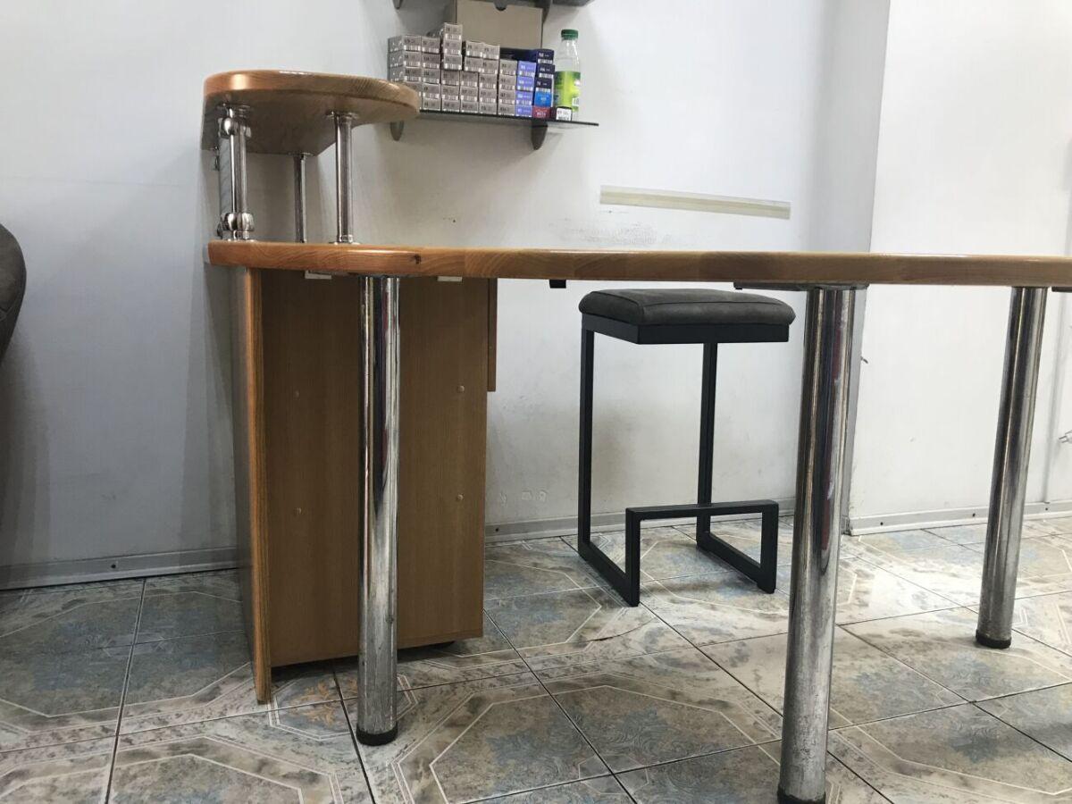 Продам офисный стол - ресепшн
