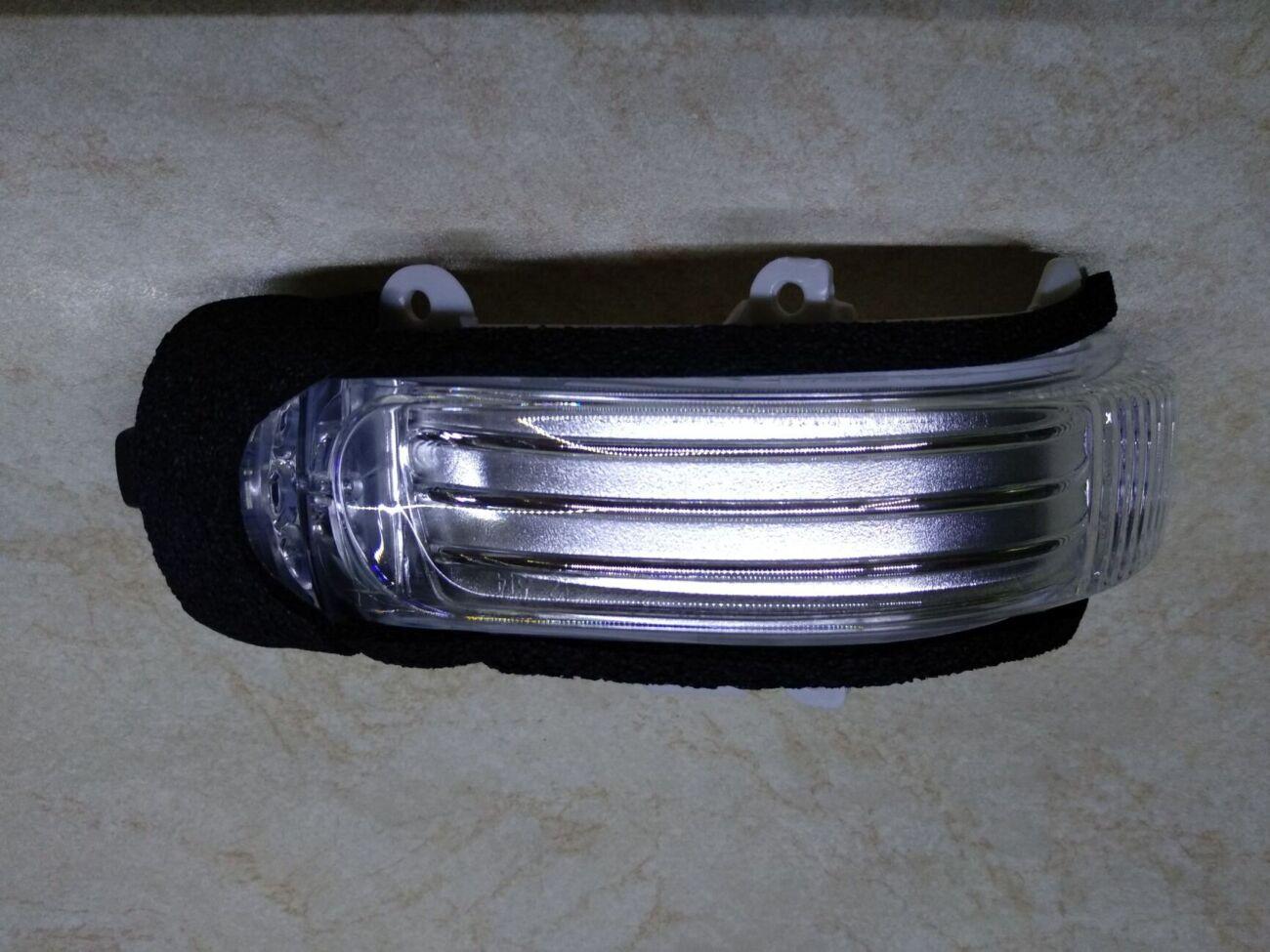 Повторитель поворота правый Toyota Corolla (2006-2013)