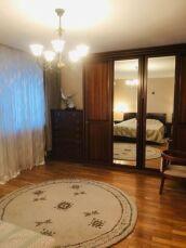 Продам 4-х комнатную квартиру Французский бульвар,пер. Дунаева 4