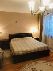 Продам 4-х комнатную квартиру Французский бульвар,пер. Дунаева 3