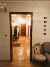 Продам 4-х комнатную квартиру Французский бульвар,пер. Дунаева 2