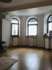 Продам 4-х комнатную квартиру Французский бульвар,пер. Дунаева 8