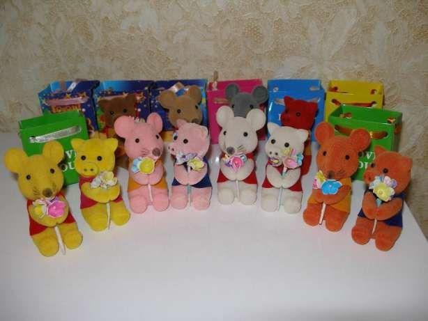 Бархатные игрушки прищепки Свинка мышка с букетом I love you
