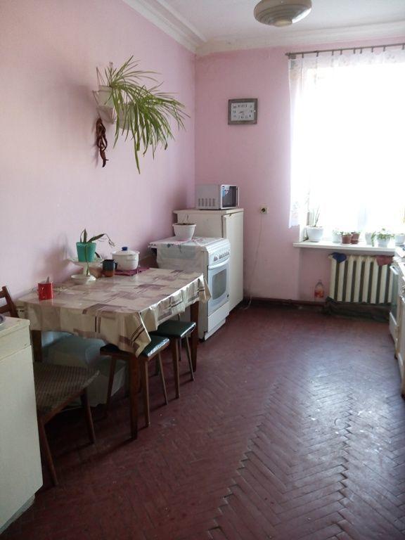 код- 686521.Просторная комната в Малиновском р-не.
