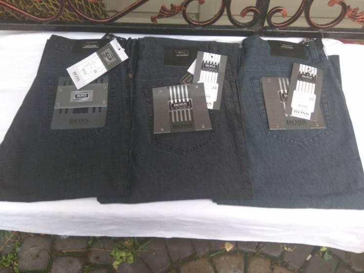 Розпродаж джинсів Hugo Boss!