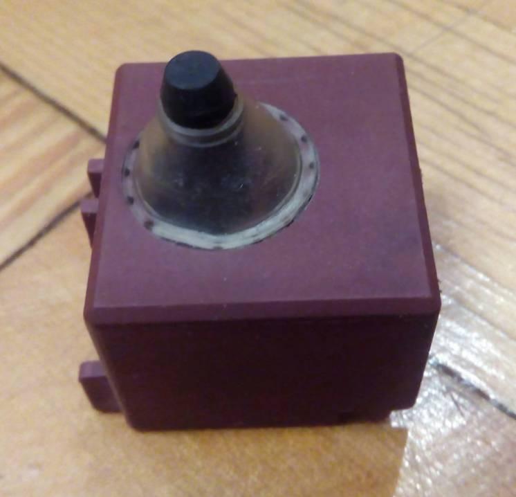 Наличие уточняйте Кнопка включения (6А) для болгарки Makita GA 5030