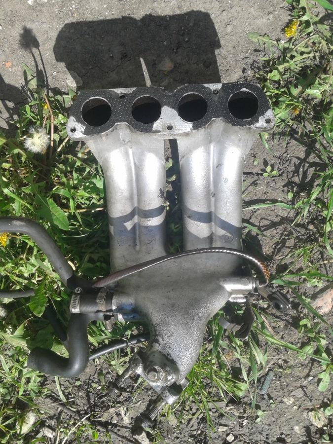 Коллектор впускной Renault 19 1.7