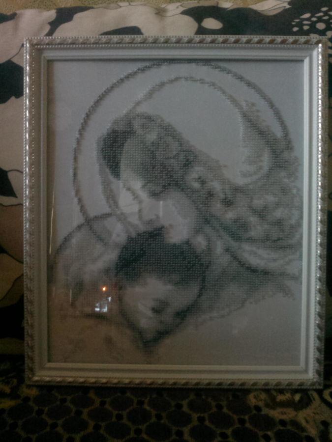 Картина бисером (Мадонна с младенцем)
