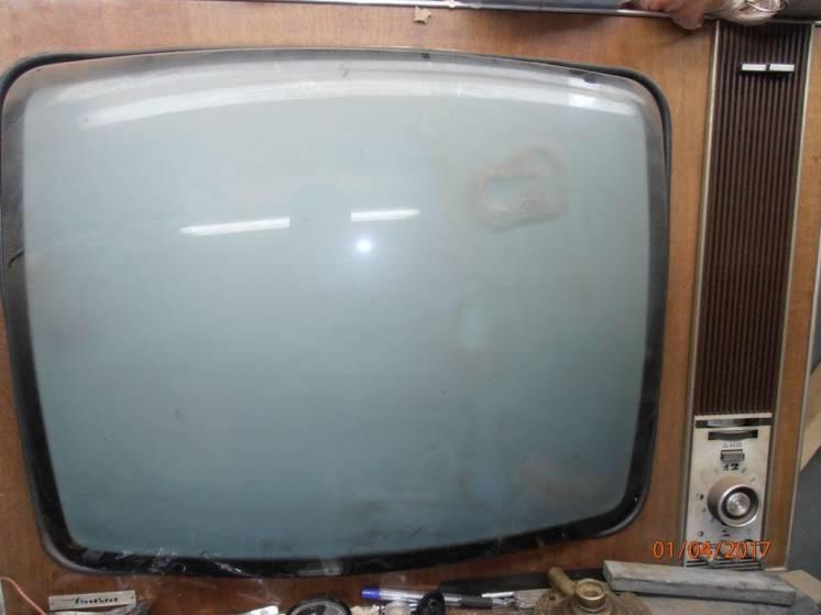 Продам антикварный телевизор