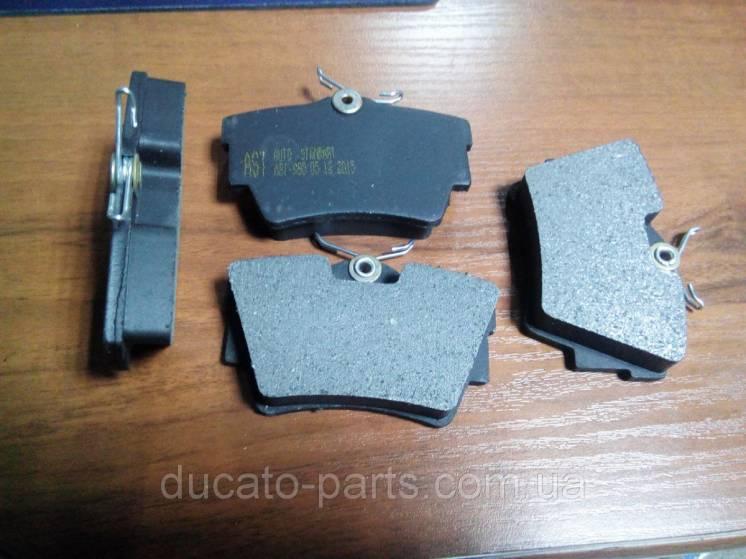 Тормозные колодки задние Рено Трафик / Renault Trafic