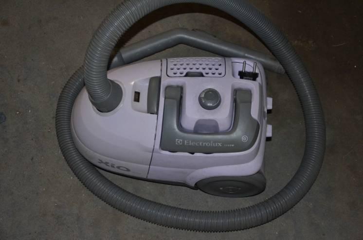 Пылесос Electrolux Z 1032